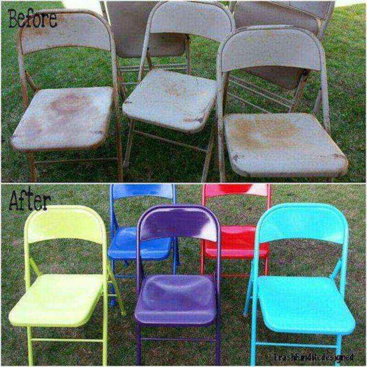 красить старые раскладные стулья.