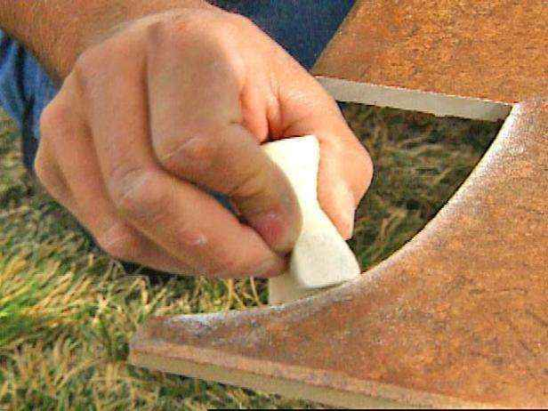 Как уложить плитку на пол