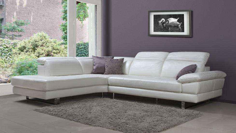 Как очистить мебель и другие изделия из белой кожи
