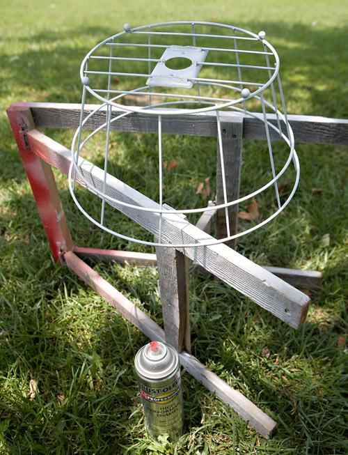 Подвесной светильник с абажуром из веревки