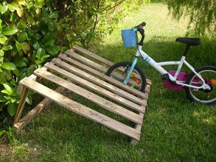 Как сделать стойку для велосипедов из поддонов 5 | Дока-Мастер
