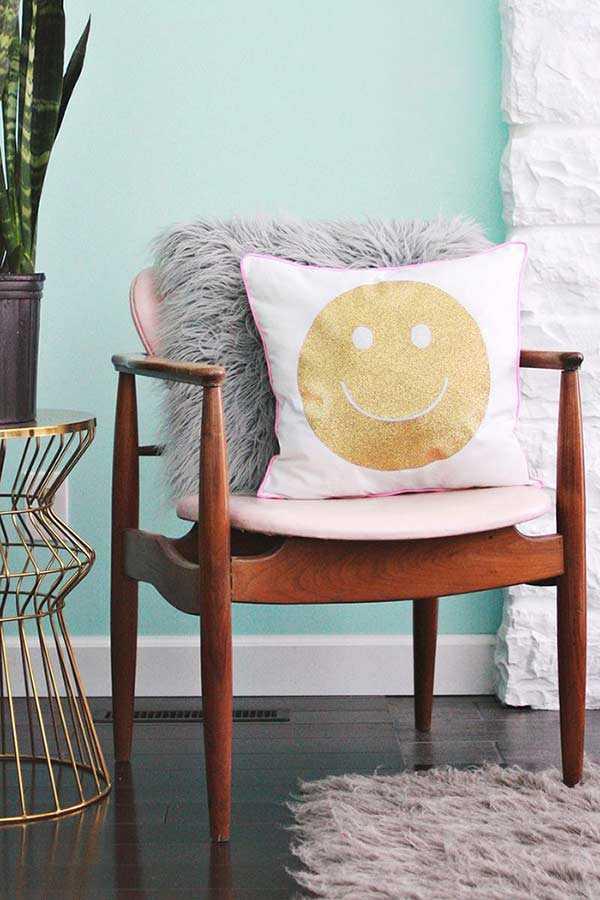 Забавные подушки для вашего дивана 1 | Дока-Мастер