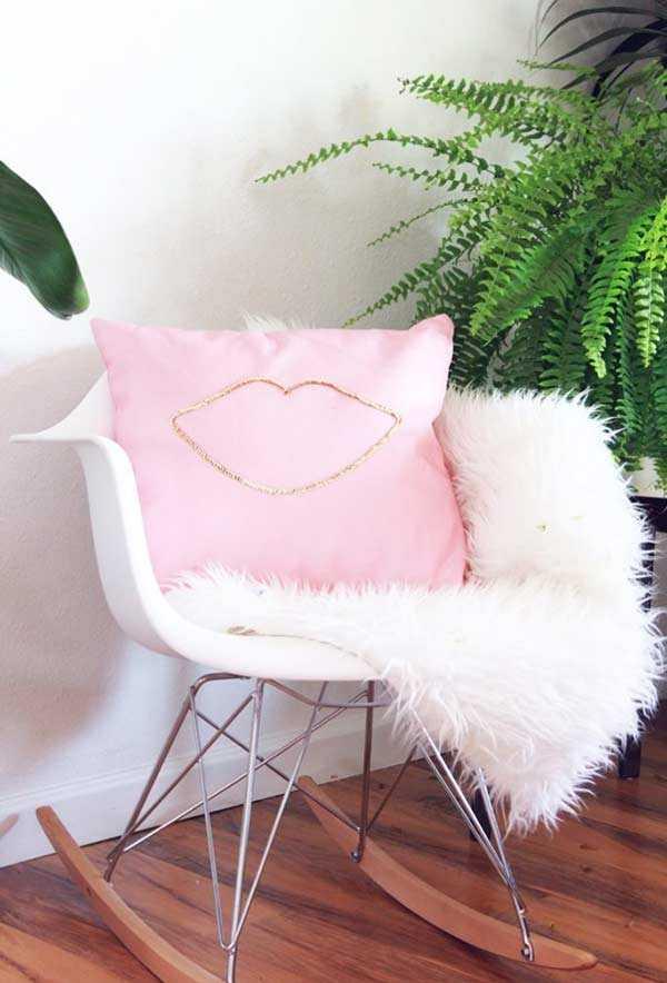 Забавные подушки для вашего дивана 11 | Дока-Мастер