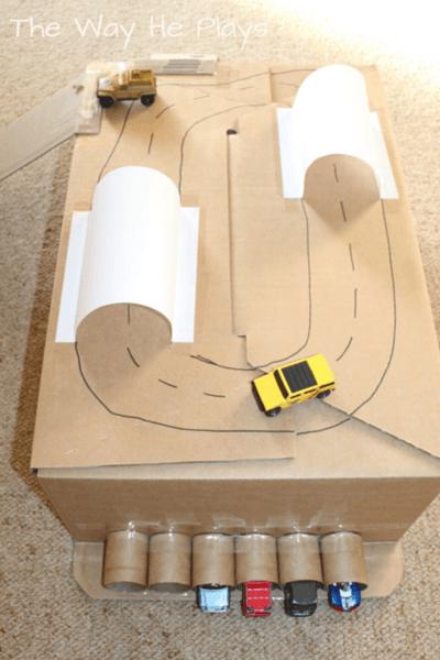 Что можно сделать из старых картонных коробок своими руками