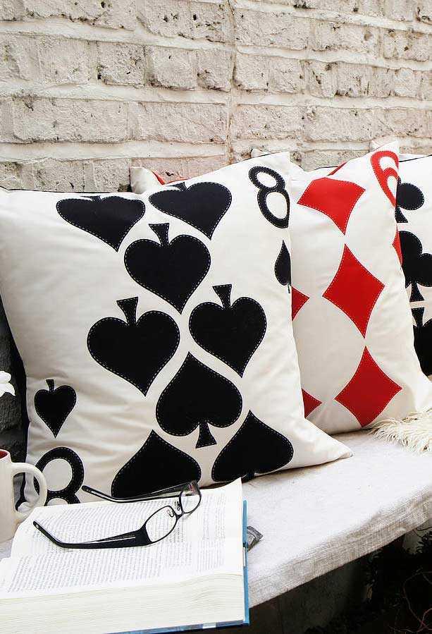 Забавные подушки для вашего дивана 17 | Дока-Мастер