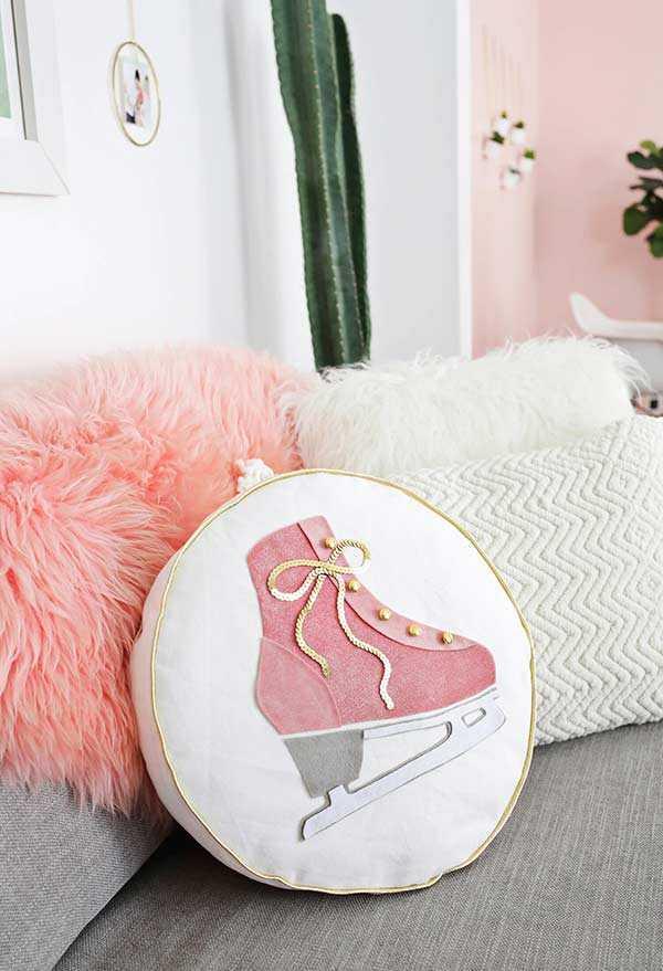 Забавные подушки для вашего дивана 19 | Дока-Мастер