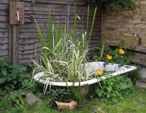 10 проектов садовых прудиков из ванны своими руками 2 | Дока-Мастер