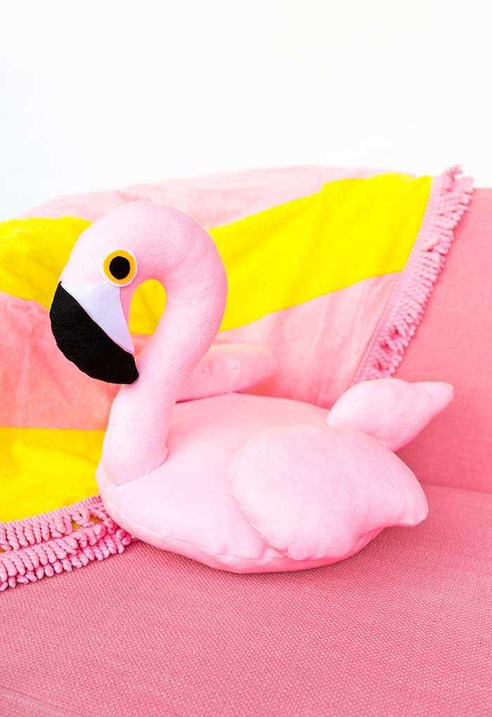 Забавные подушки для вашего дивана 21 | Дока-Мастер