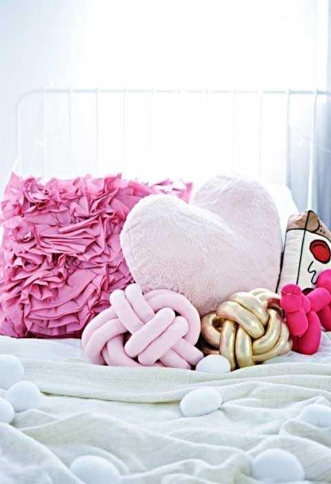 Забавные подушки для вашего дивана 23 | Дока-Мастер