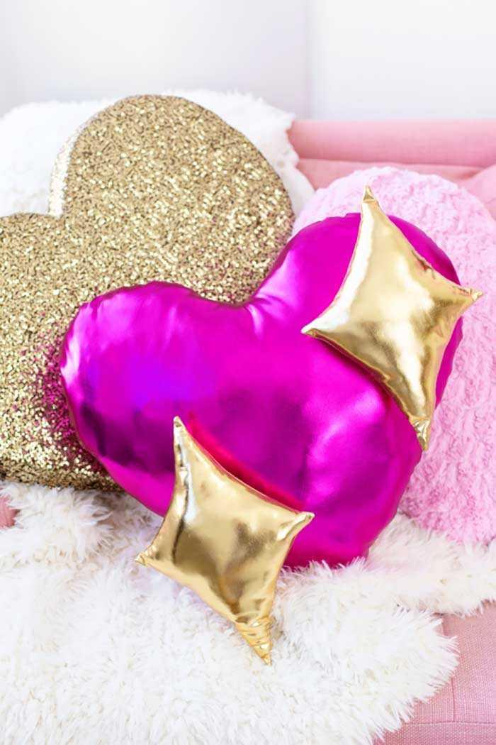 Забавные подушки для вашего дивана 6 | Дока-Мастер