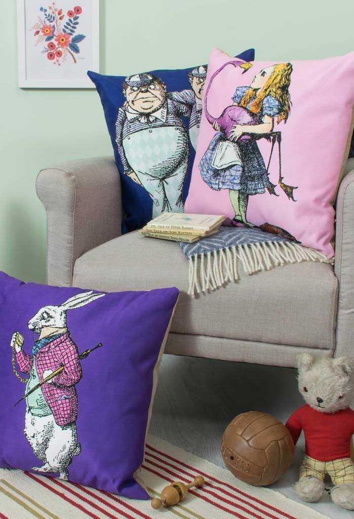 Забавные подушки для вашего дивана 7 | Дока-Мастер