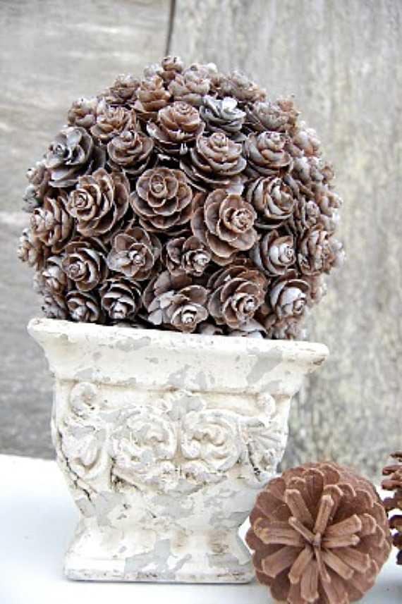 Праздничный декор из шишек своими руками