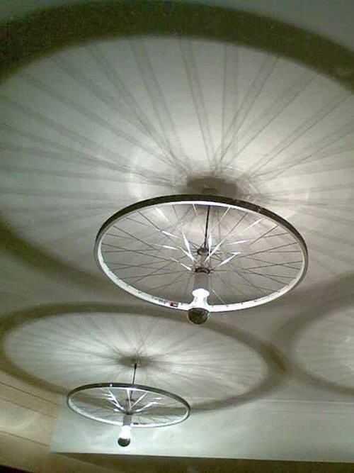 Интересные идеи домашнего декора из старого велосипедного колеса 11 | Дока-Мастер