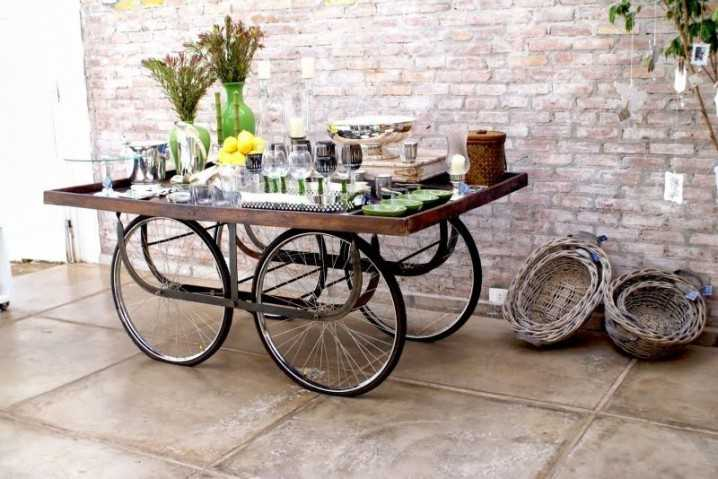 Интересные идеи домашнего декора из старого велосипедного колеса 12 | Дока-Мастер