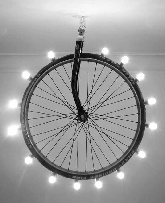 Интересные идеи домашнего декора из старого велосипедного колеса 13 | Дока-Мастер