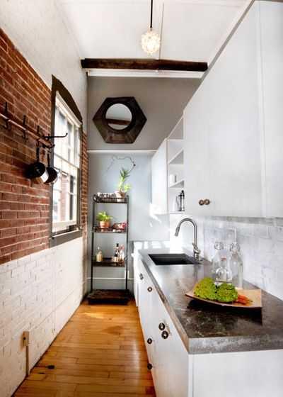 9 примеров узких кухонь