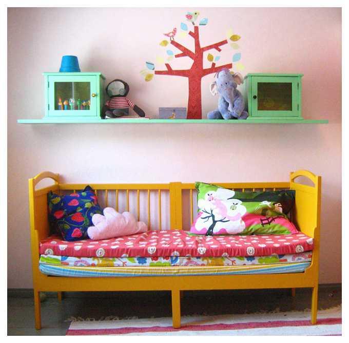 Что можно сделать из старой детской кроватки