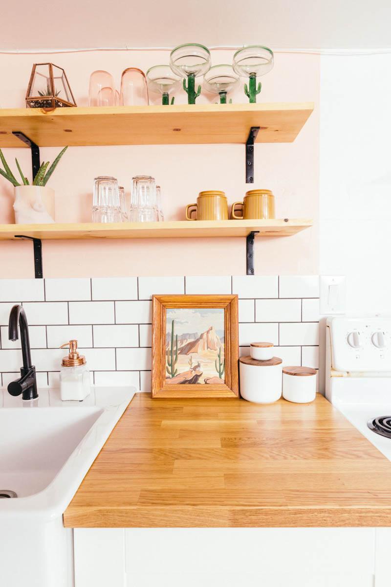 Стираем серые будни: персиковая кухня - 13
