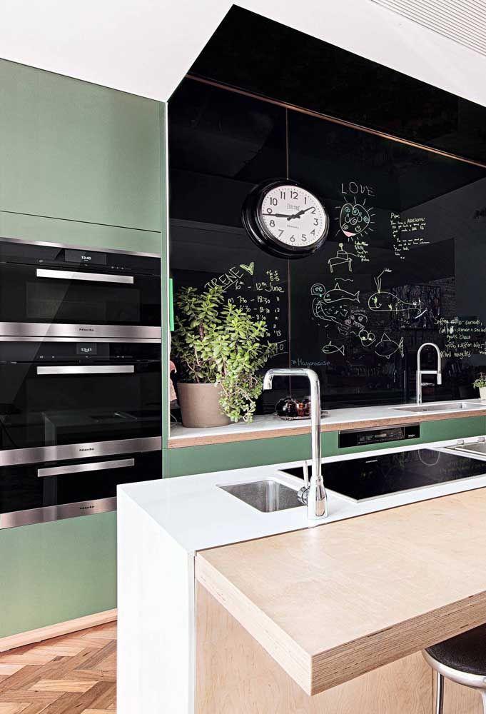 image27 | Почему для маленьких кухонь лучше использовать кухни на заказ