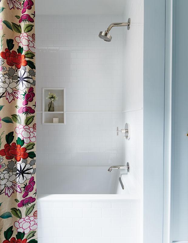 Бюджетный дизайнерский трюк который преобразит вашу ванную 04