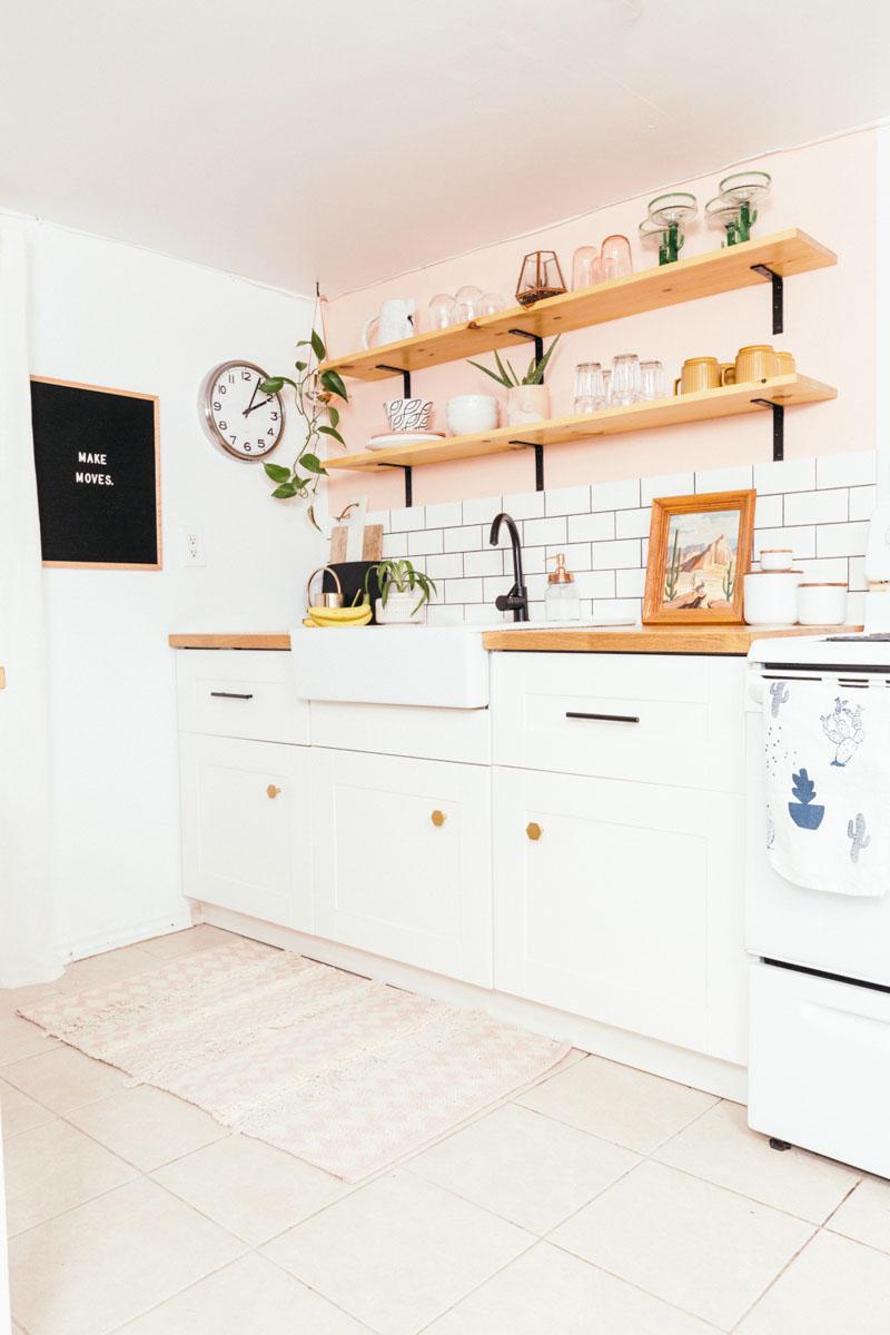 Стираем серые будни: персиковая кухня - 04
