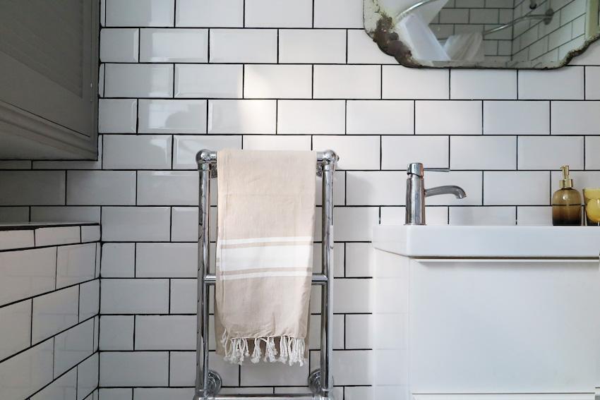 Превращение бежевой ванной, в ванную в скандинавском стиле 07