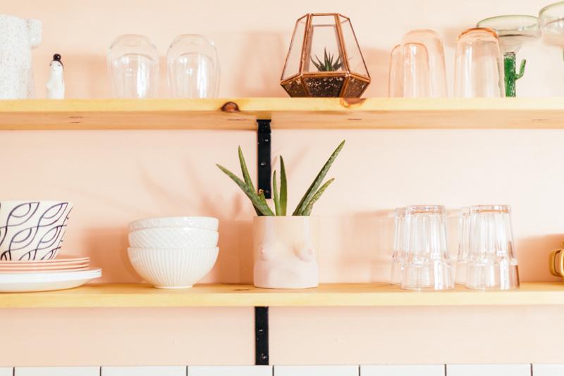 Стираем серые будни: персиковая кухня - 08