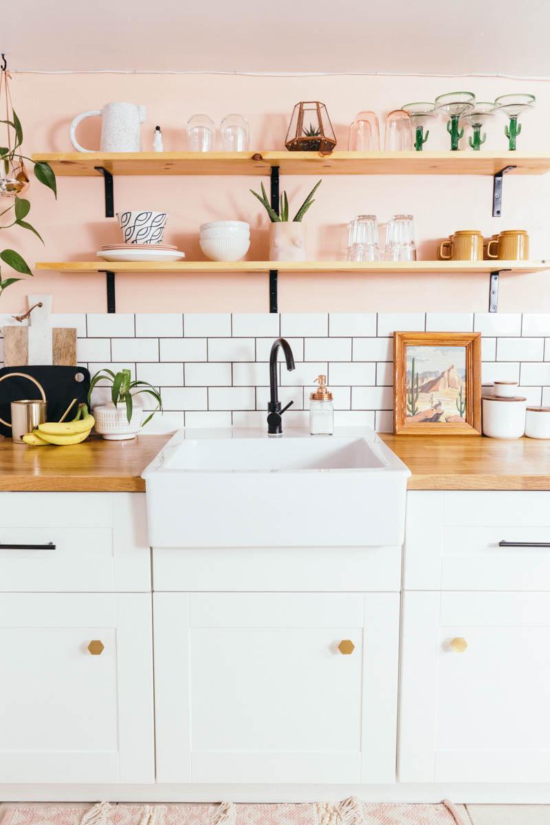 Стираем серые будни: персиковая кухня - 09