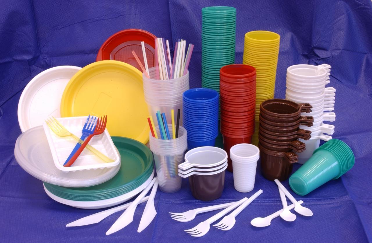 Практичность по минимальной цене: пластиковая посуда 2 | Дока-Мастер