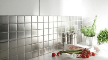 кухонный фартук из стеклянной плитки