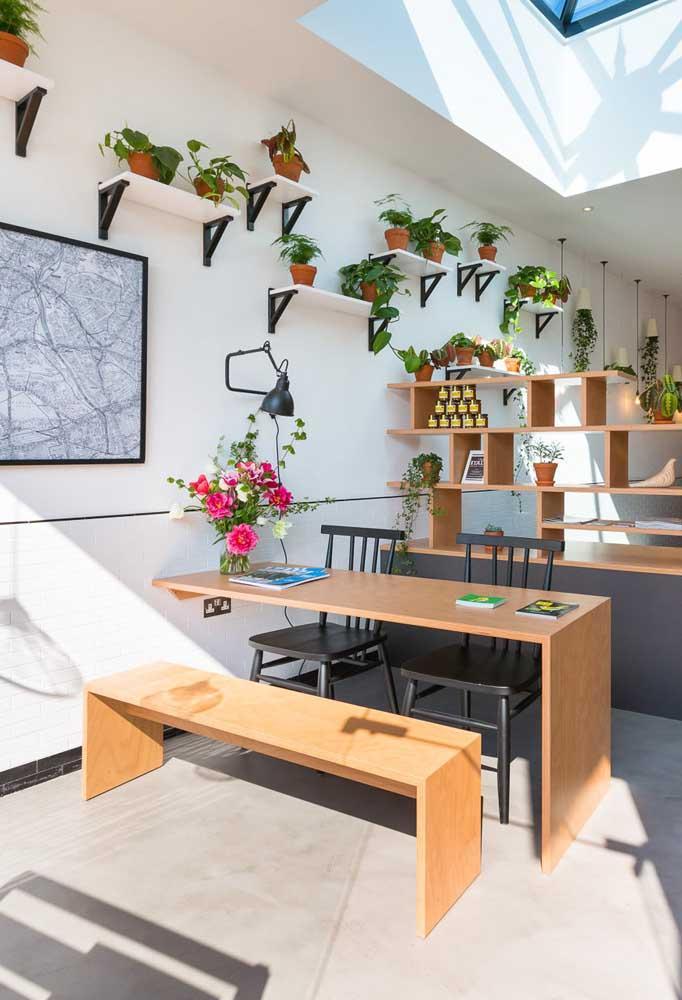 Стол у стены 30 идей для небольшой квартиры 15 | Дока-Мастер