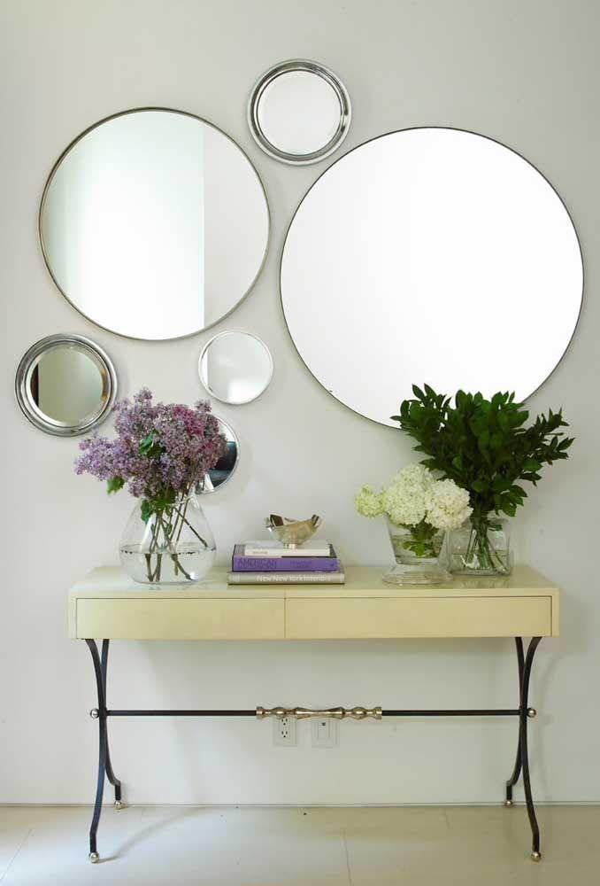 Круглое зеркало в интерьере, как использовать в декоре 22