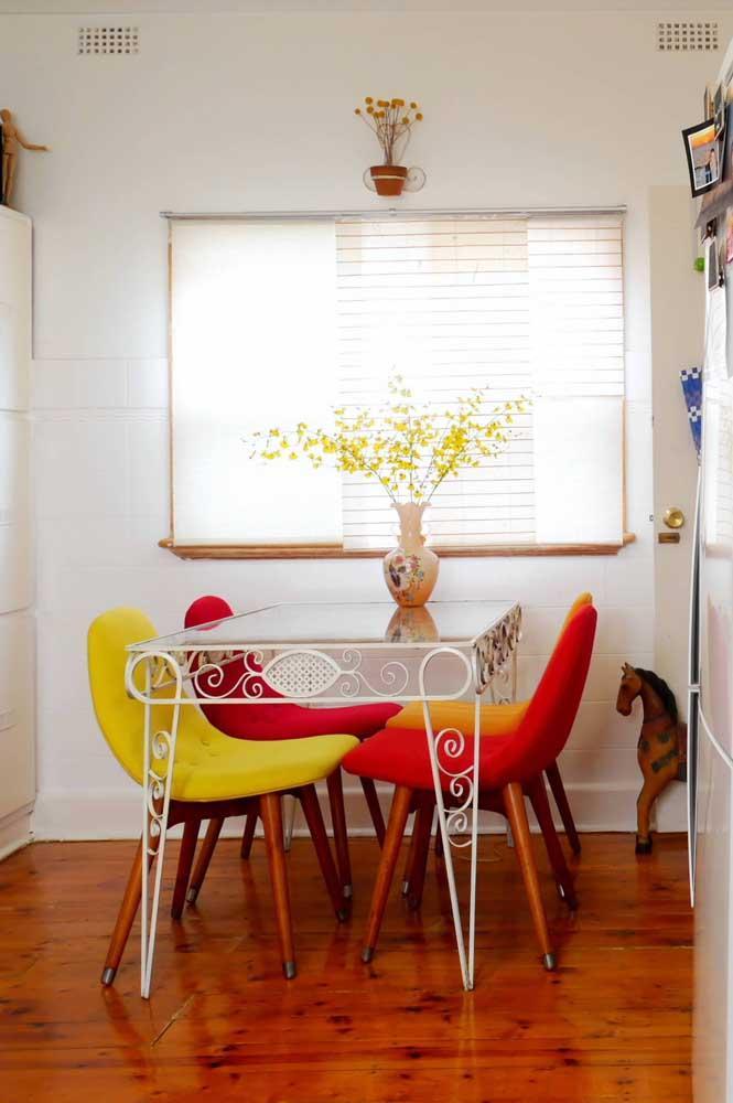 Стол у стены 30 идей для небольшой квартиры 27 | Дока-Мастер