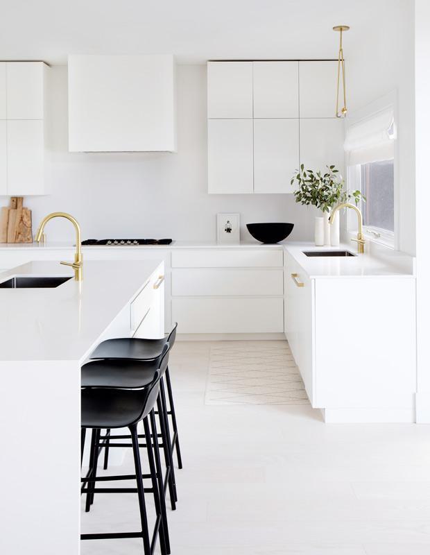 Ничего лишнего: кухня в стиле минимализм 03