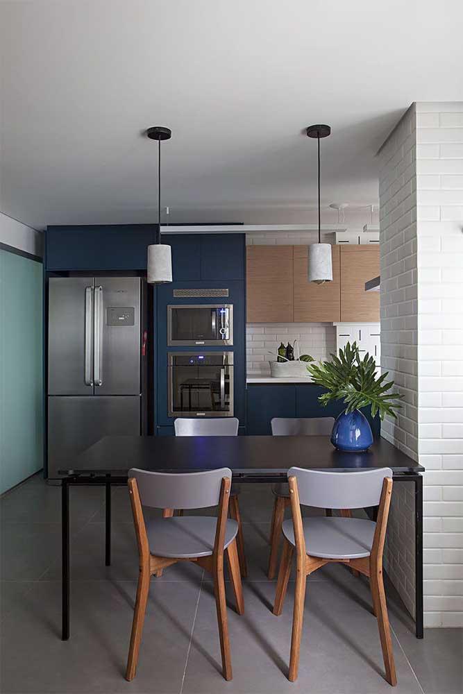 Стол у стены 30 идей для небольшой квартиры 6 | Дока-Мастер