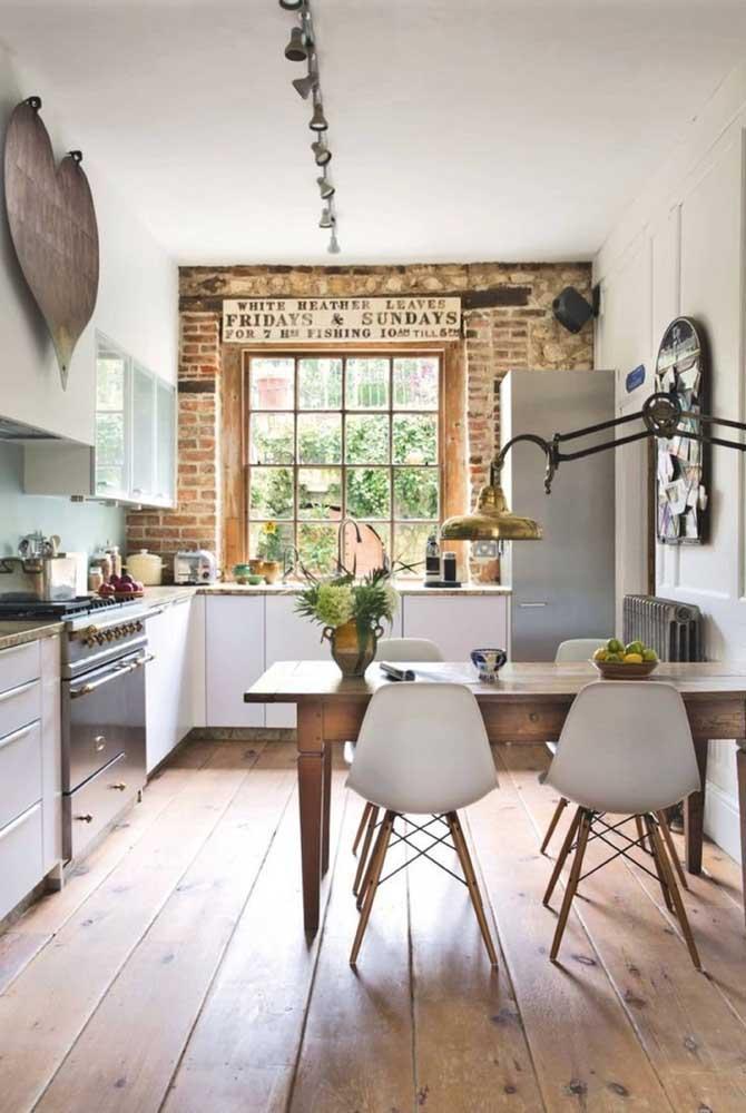 Стол у стены 30 идей для небольшой квартиры 7 | Дока-Мастер