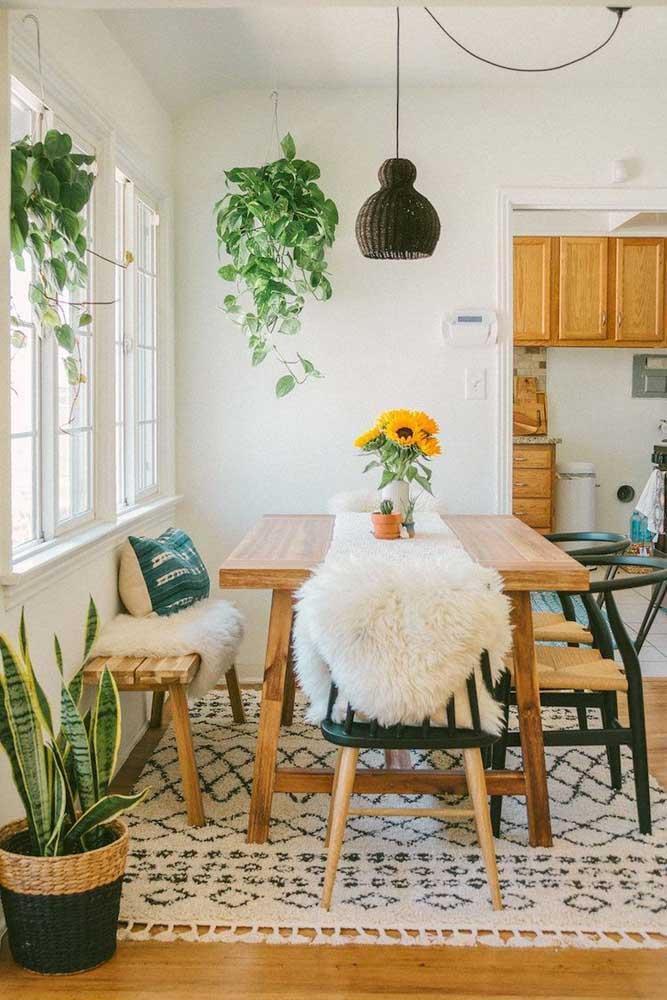 Стол у стены 30 идей для небольшой квартиры 9 | Дока-Мастер