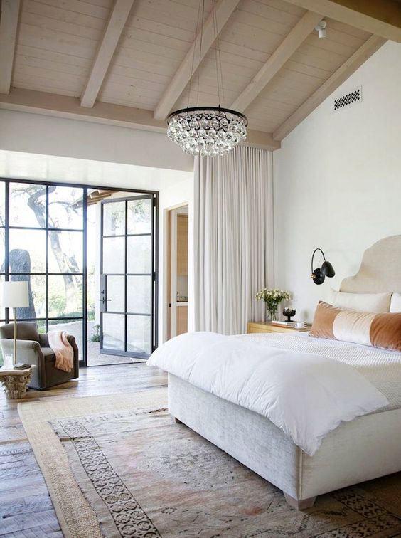 Люстры для спальни: 60 моделей в интерьере 61 | Дока-Мастер