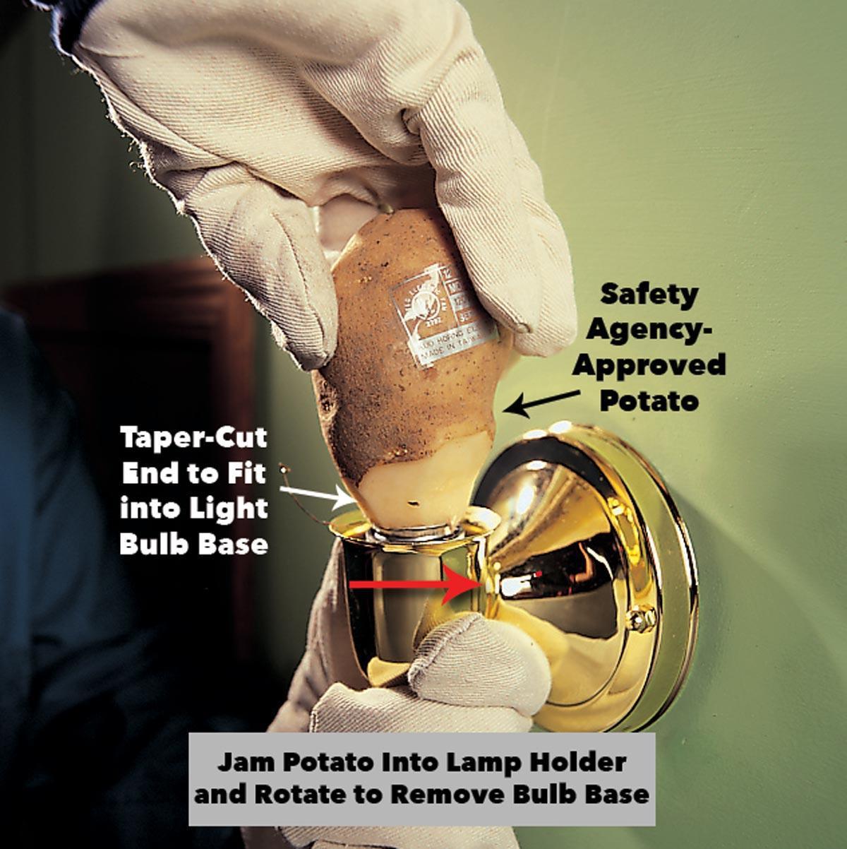 возьмите сломанную лампочку с картофелем