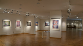 Как обустроить освещение в выставочном зале
